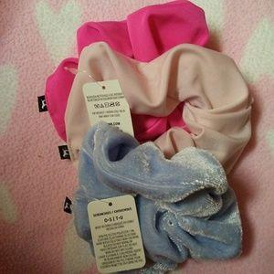 THREE Victoria's Secret PINK Scrunchies New In Pk